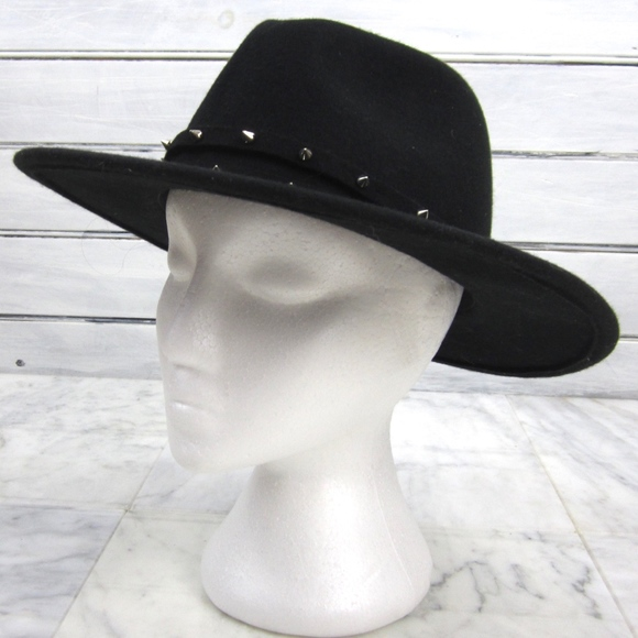 H M Accessories - H M Divided Black Felt Wool STUDDED Fedora Hat c65101ccbb94